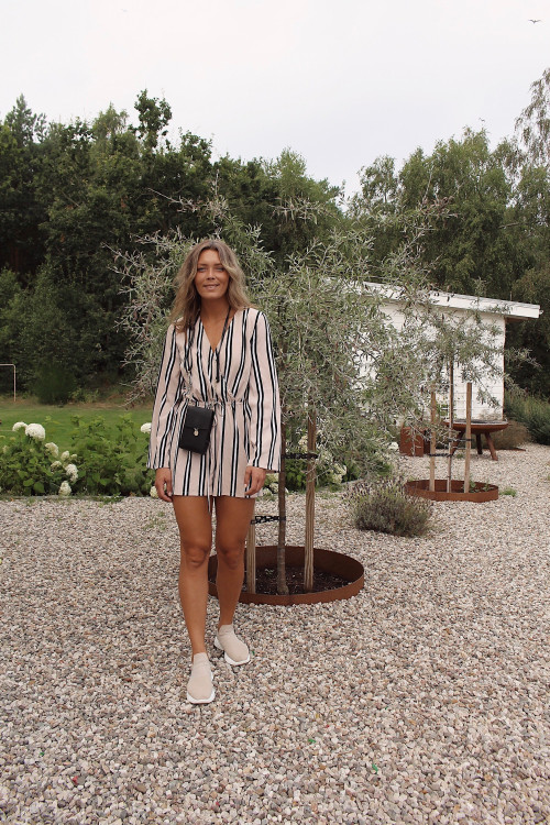 STRIPED PLAYSUIT & A MAGIC FLOWER